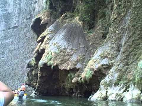2 hour tour on Grijalva River through canyon
