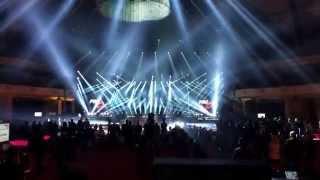 Mega pokaz światła, dźwięku, multimediów i efektów.