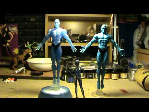 A.F.C.-8. Dr Manhattan DC Direct Watchmen Action Figure Display