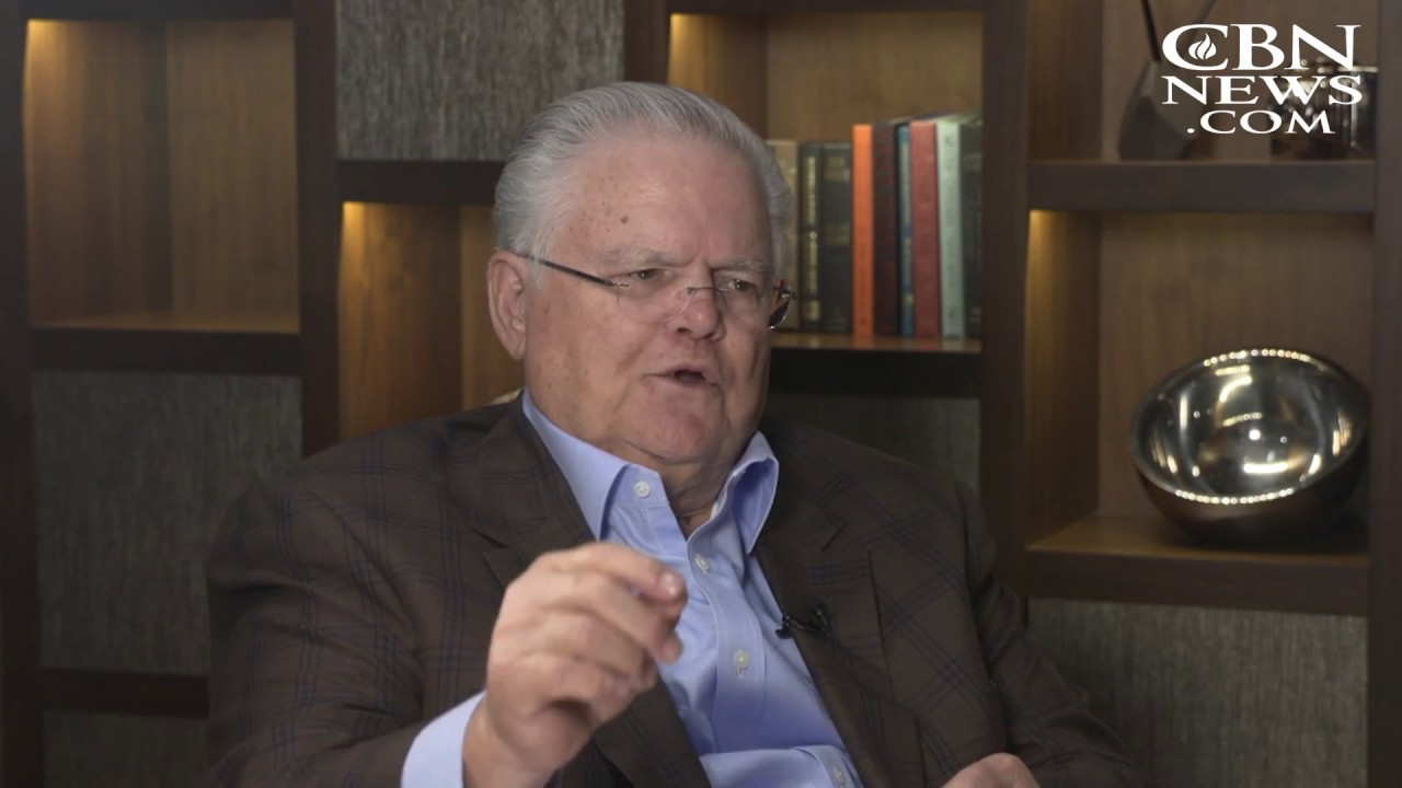 Pastor John Hagee on the Four Blood Moons - YouTube