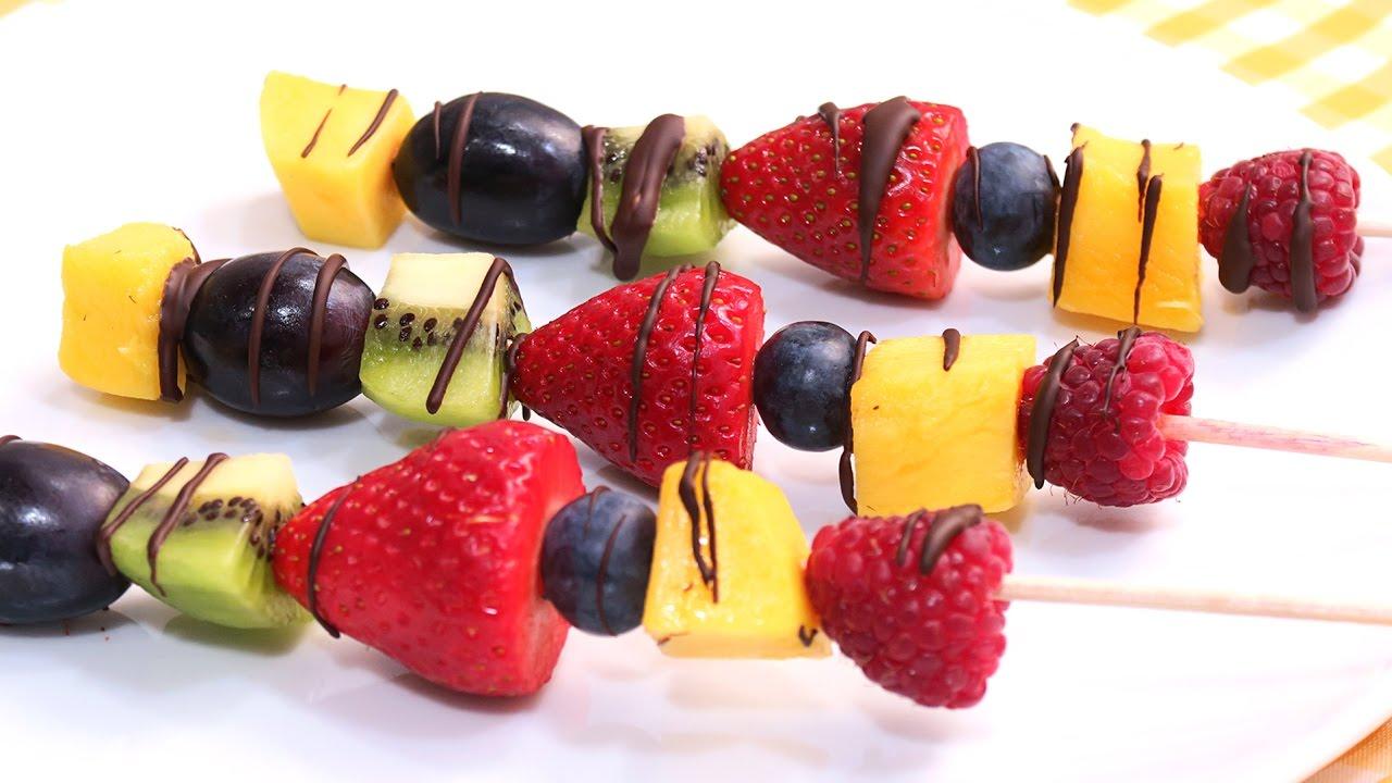 Brochetas De Fruta Con Chocolate Fáciles Rápidas Y Deliciosas Youtube