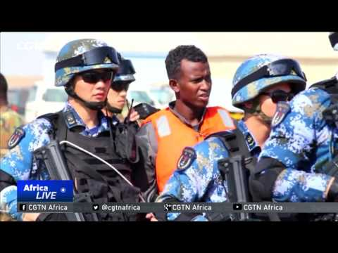 Chinese navy hands over suspected pirates to Somali authorities
