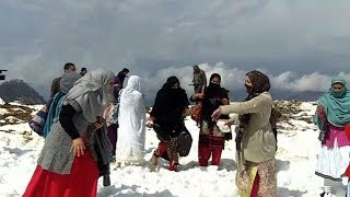 Repeat youtube video Pakistan snow festival attracts enthusiasts to Swat Valley