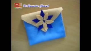 Kerajinan tangan dari kain flannel peralatan yang digunakan cukup lem lilin, jarum dan benang tambah cantik tengah bunga diberi kancing baju hias