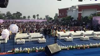 आप भी देखिये कैसे लोक गायिका माया उपाध्याय के इस गीत पर 5000 दर्शको ने एक साथ रुमाल लहराए