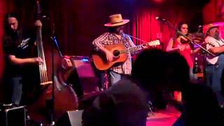 "Big Smith ""12 Inch 3-Speed Oscillating Fan"" Live At Off Broadway"