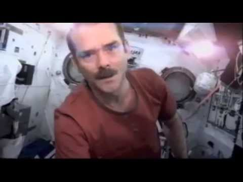 astronaut sings space oddity - photo #15