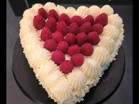 recette-de-gâteau-cœur-à-la-gânache-au-chocolat-blanc-et-aux-framboises