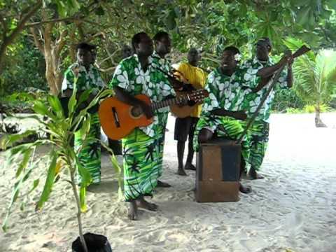 Evergreen Vanuatu- Pele Island stringband video.avi