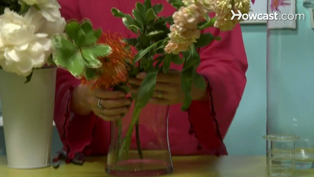 How To Choose The Right Vase For Your Flower Arrangement