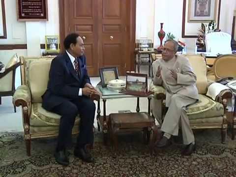 Pranab Mukherjee meets H.M. Ershad