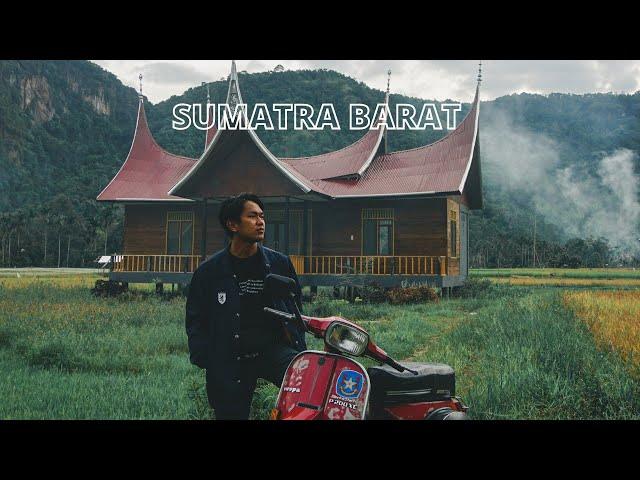 Explore Sumatra Barat naik Vespa