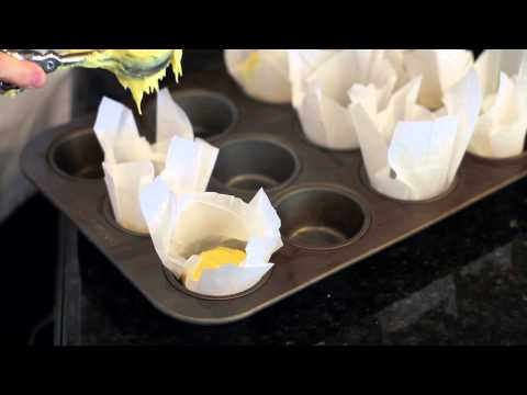 How to Make Cupcakes With Parchment Paper : Simple Dessert Techniques