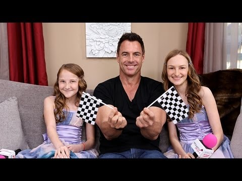 mark steines host of hallmark 39 s home family show on set. Black Bedroom Furniture Sets. Home Design Ideas