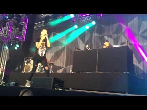 G-Eazy ft. Devon Baldwin: Let's get lost