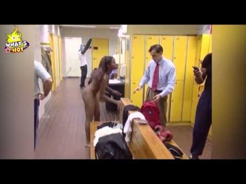 Cox gulmeli Video ! qiz geyinme otaginda...