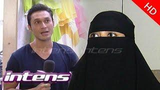 Kedekatan Indra Bruggman dan Wanita Bercadar (2/3) - Intens 22 April 2015