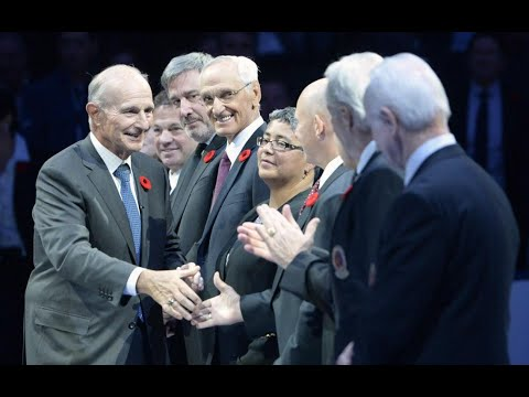 Maple Leafs honour Hockey Hall of Fame inductees before tilt against Bruins