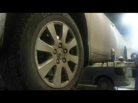 Toyota Camry 40 обзор замены передних тормозных колодок
