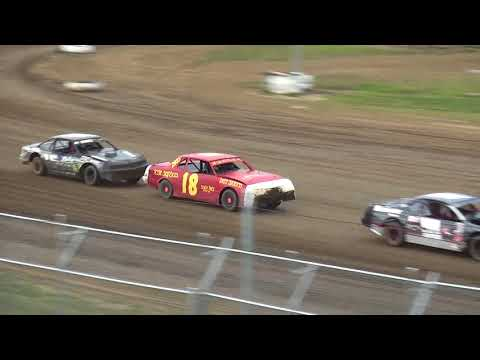IMCA Stock Car Heat 3 Independence Motor Speedway 8/4/18
