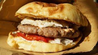 Сербская еда: Плескавица в Белграде