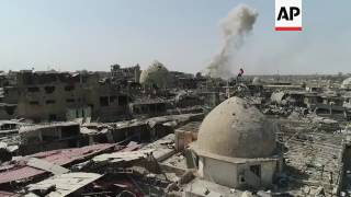 Drone footage as airstrikes continue in Mosul