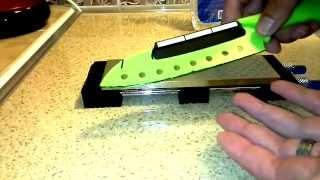 Алмазная точилка DMD(Китай) + Держатель угла заточки Taidea (T1091AC)(Работа вместе на кухонном ноже. Не повторять!!! Опасно для жизни держателя угла заточки))), 2014-08-31T14:10:50.000Z)