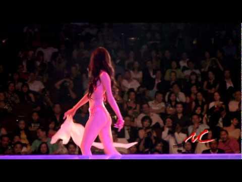 Thi Ao Tam - Miss Vietnam Continents - Singer: Kiet Ky An