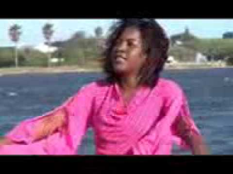 Uzima ninao moyoni ni Yesu, Mireille Mbayo
