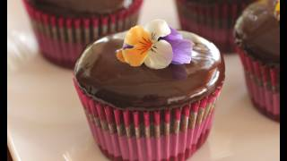 How To Make Delicious Chocolate Ganache - Recipe For Frosting, Icing, Drizzling, Glaze