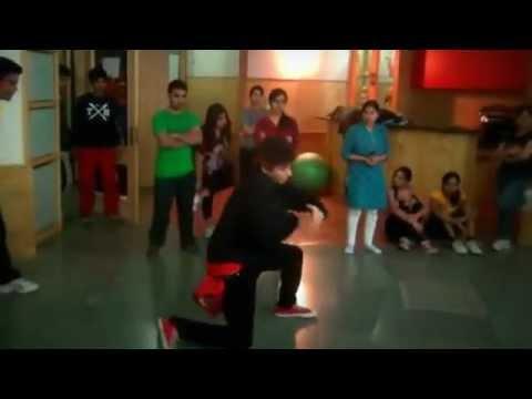 Raghav friend dancing in zero gravity gurgaon Club .flv