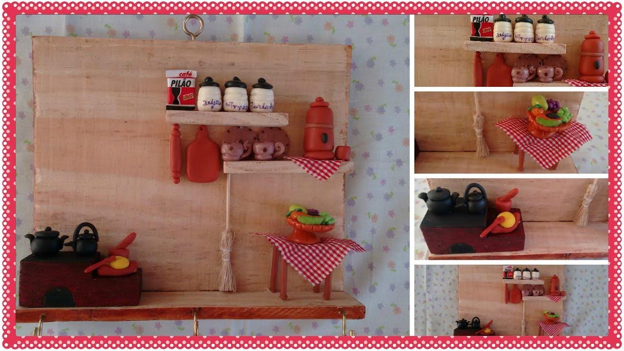 CHAVES feito com caixote de feira e miniaturas de biscuit   #AF1C34 1366x768