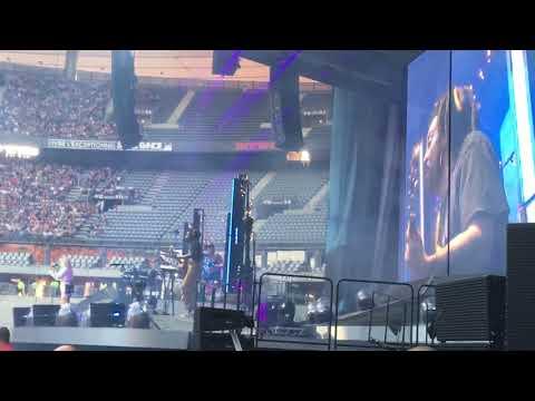 Anne-Marie - Friends - Stade De France (07/07/2018)