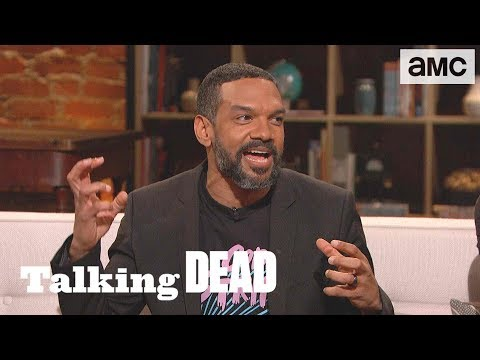 'Khary on Wearing a Wig in Hot Atlanta' Fan Questions Ep. 911 | Talking Dead