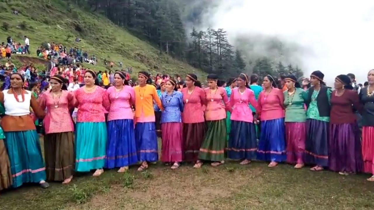 Nonstop  pahadi dance मूईला डाडा चकराता मे धमाकेदार पहाड़ी नाटी reuploading YouTube dhamaka videos