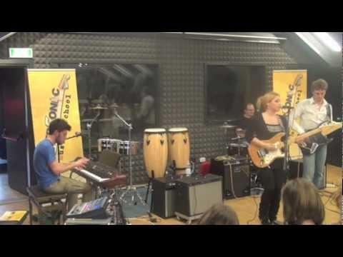"""""""ELIANA Electric 4″ live alla Casa della Musica di Cervignano del Friuli.mov"""