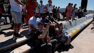Ces Marseillais atteints de déficiences sensorielles embellissent le banc de la Corniche