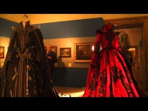 I costumi da fiaba del nuovo film di Garrone in mostra a Roma
