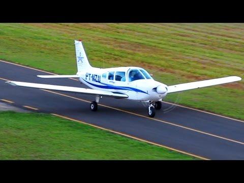 Avião Pousando no Aeroporto SDIO   Airplane Landing at Airport