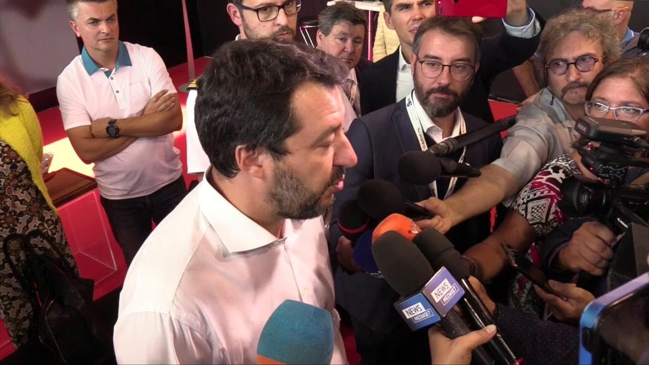 """Genova, Salvini attacca Mattarella sul governo: """"Ha avallato uno squallido giochino di palazzo&"""