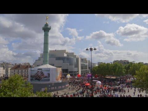 France : les fonctionnaires en grève pour protester contre la politique du gouvernement