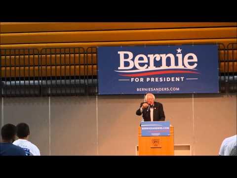 Bernie Sanders in Dubuque, IA  8/16/2015