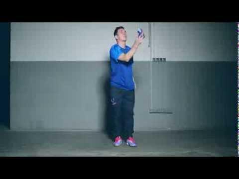 Leo Messi se luce con una lata, en el nuevo comercial de Pepsi.