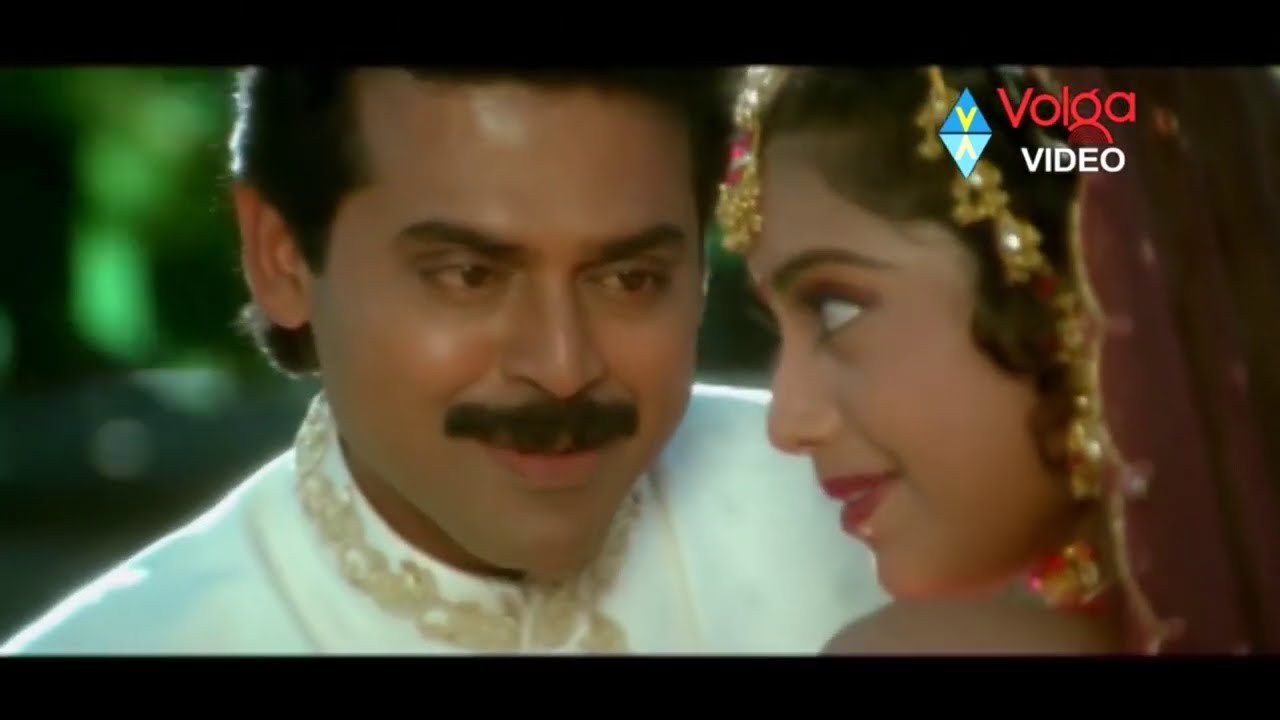Venkatesh & Meena Love And Emotional Scenes
