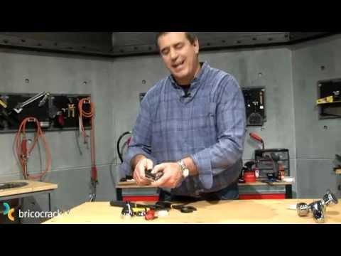 Reparar un grifo monomando bricocrack youtube for Reparar llave de regadera