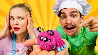 Пауки в кафе у Барби! Видео про куклы и готовку. Веселые игры для детей