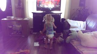 Victoria dancing & start of potty train