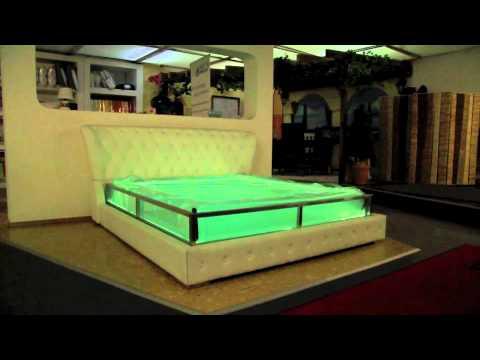 das transparente wasserbett youtube. Black Bedroom Furniture Sets. Home Design Ideas