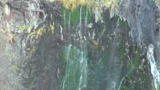 """【北海道の絶景】「乙女の涙」という滝 The waterfall """"a maiden's tear"""""""