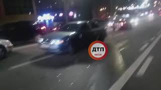 Дтп с пострадавшими в Киеве на Гетьмана два такси, двое пострадали Видео Команда спасения животных